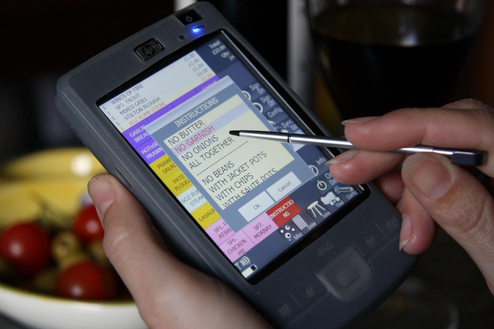 HP ipaq wireless waitressing with PocketTouch