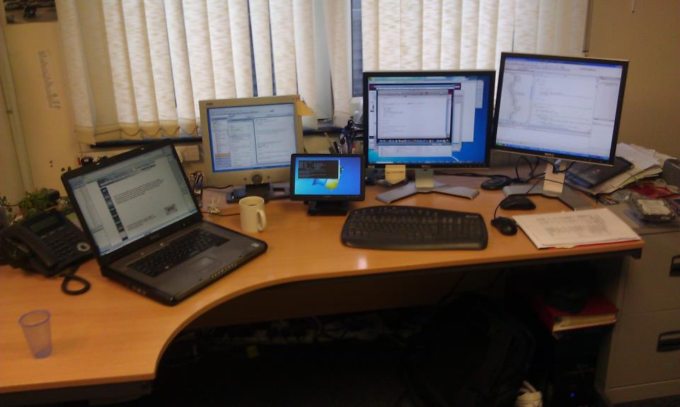 One of the EPoS Software Developers Desks