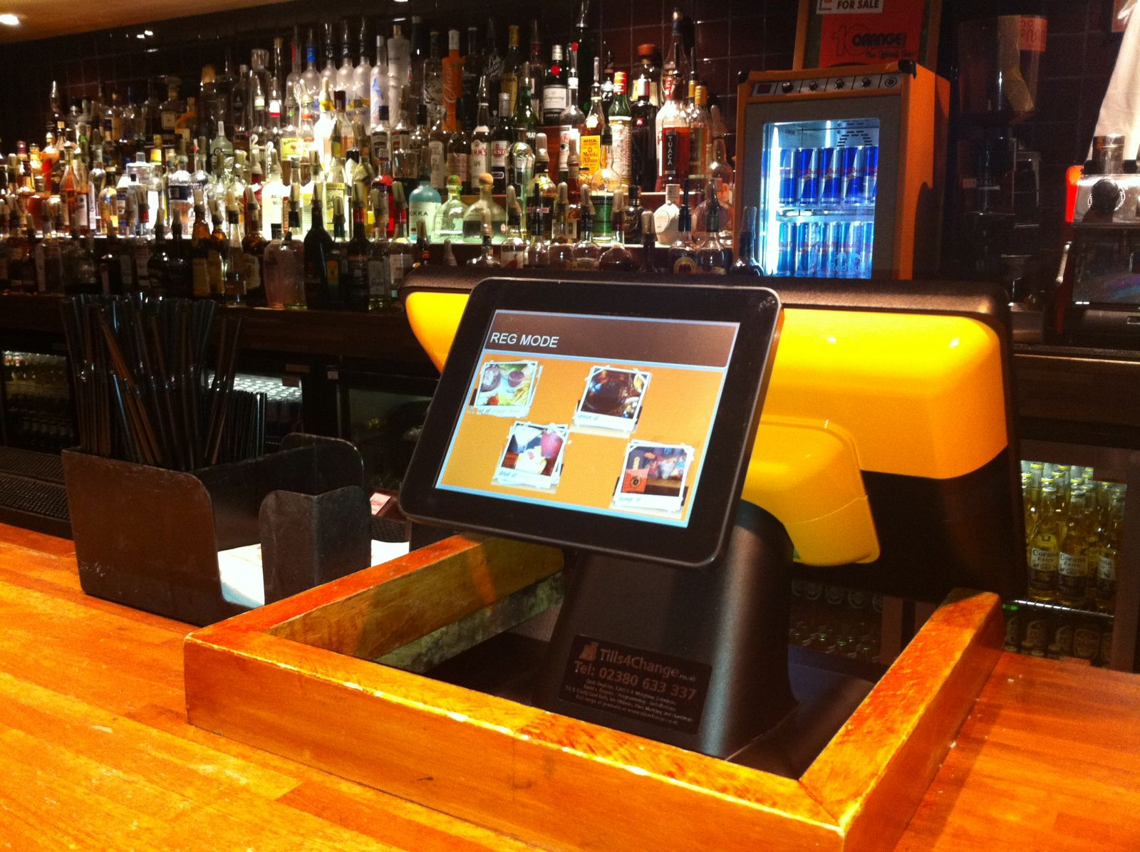 Poindus VariPoS 715 with VGA Customer Display supplied by Tills4Change