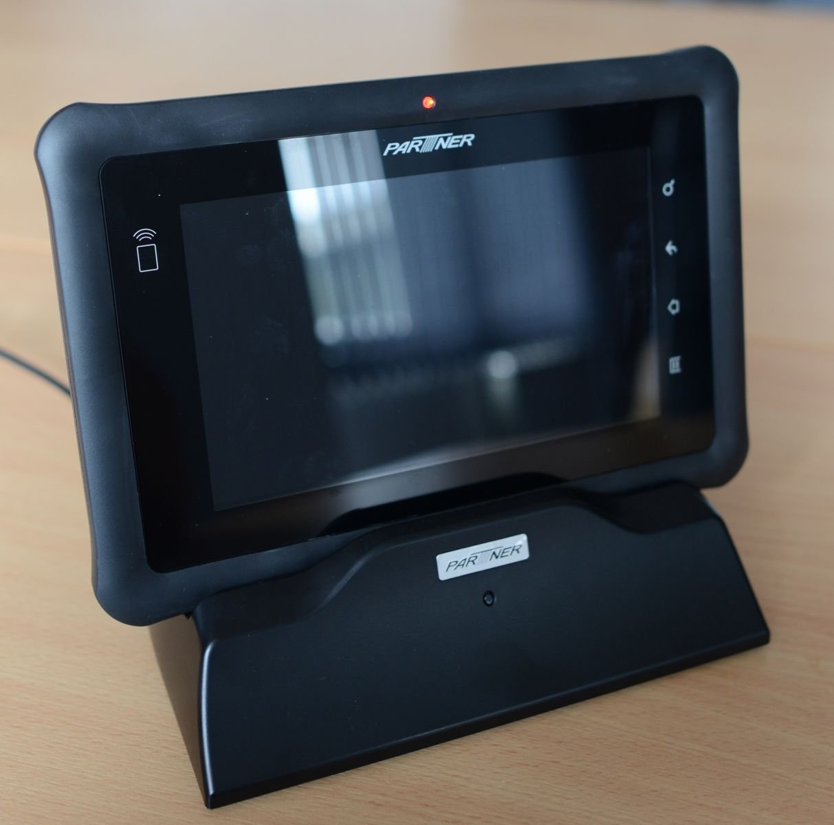 Partner EM70 tablet with cradle